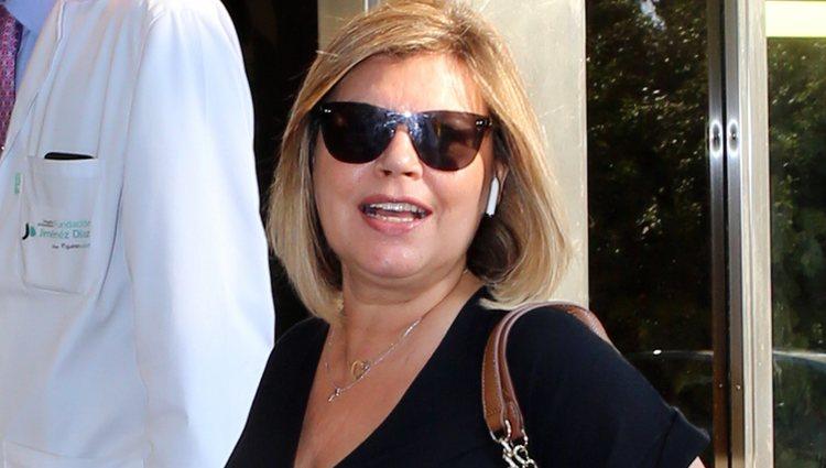 Terelu Campos ingresando en el Hospital Fundación Jiménez Díaz