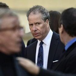 David Armstrong Jones durante un oficio religioso en Londres