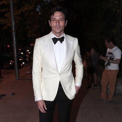 Andrés Velencoso a la entrada de la fiesta del 30 aniversario de Vogue