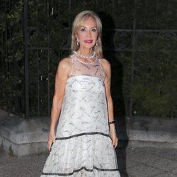 Carmen Lomana llegando a la fiesta del 30 aniversario de Vogue