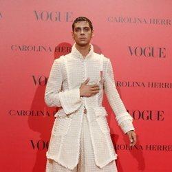 Eduardo Casanova en la fiesta del 30 aniversario de Vogue