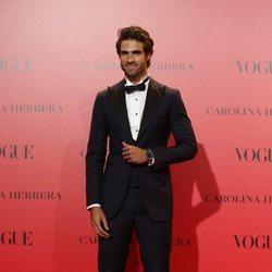 Juan Betancourt en la fiesta del 30 aniversario de Vogue