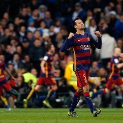 Sergio Busquets celebrando un gol con el Barça