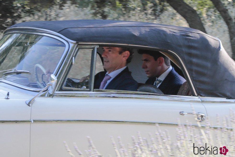 Diego Matamoros llegando a su boda con Estela Grande