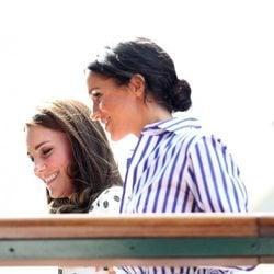 Meghan Markle y Kate Middleton a su llegada a la final femenina de Wimbledon 2018