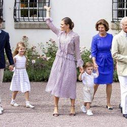 Los Reyes de Suecia, la Princesa Victoria, el Príncipe Daniel y sus hijos en la celebración del 41 cumpleaños de la heredera
