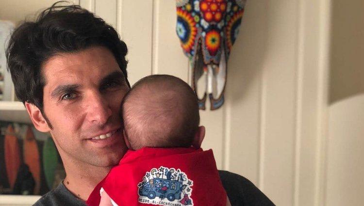 Cayetano Rivera se despide de los Sanfermines 2018 con una emotiva imagen con su hijo