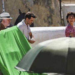 Pedro Almodóvar, Penélope Cruz y Raúl Arévalo durante el rodaje de 'Dolor y Gloria'