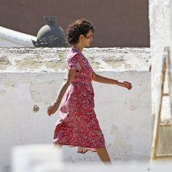 Penelope Cruz paseando por el rodaje de 'Dolor y Gloria'