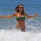 Paula Echevarría disfrutando de las olas de Cádiz