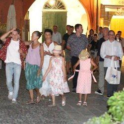 Sarah Jessica Parker de paseo con su familia por las calles de Portofino