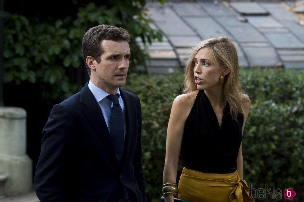 Pablo Casado y su mujer Isabel Torres en los Premios Elle Gourmet