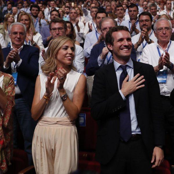 Pablo Casado e Isabel Torres: el político y la psicóloga