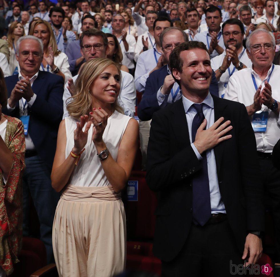 Pablo Casado y su mujer Isabel en el nombramiento como Presidente del PP