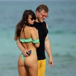 Emily Ratajkowski y Sebastian Bear-McClard en Miami