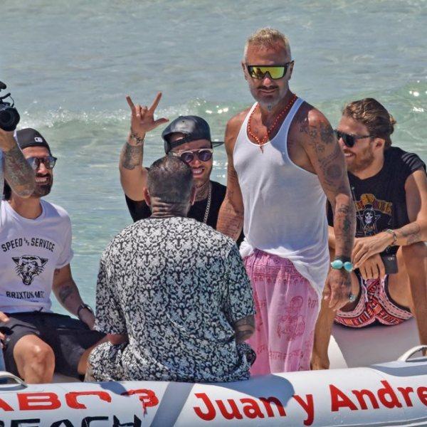 Gianluca Vacchi se divierte en Formentera