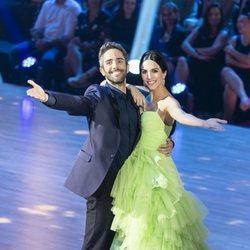 Roberto Leal y Rocío Muñoz, los presentadores de 'Bailando con las estrellas' en la gala final