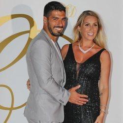 Luis Suárez y Sofia Balbi en la fiesta postboda de Cesc Fábregas y Daniella Semaan