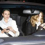 Cameron Diaz y Drew Barrymore en el coche