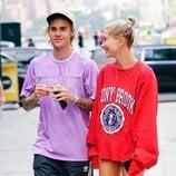 Justin Bieber y Hailey Baldwin paseando por Nueva York