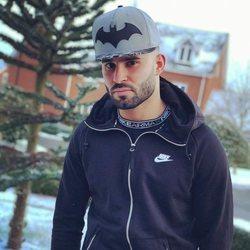 Jesé Rodriguez posando frente a un paisaje invernal