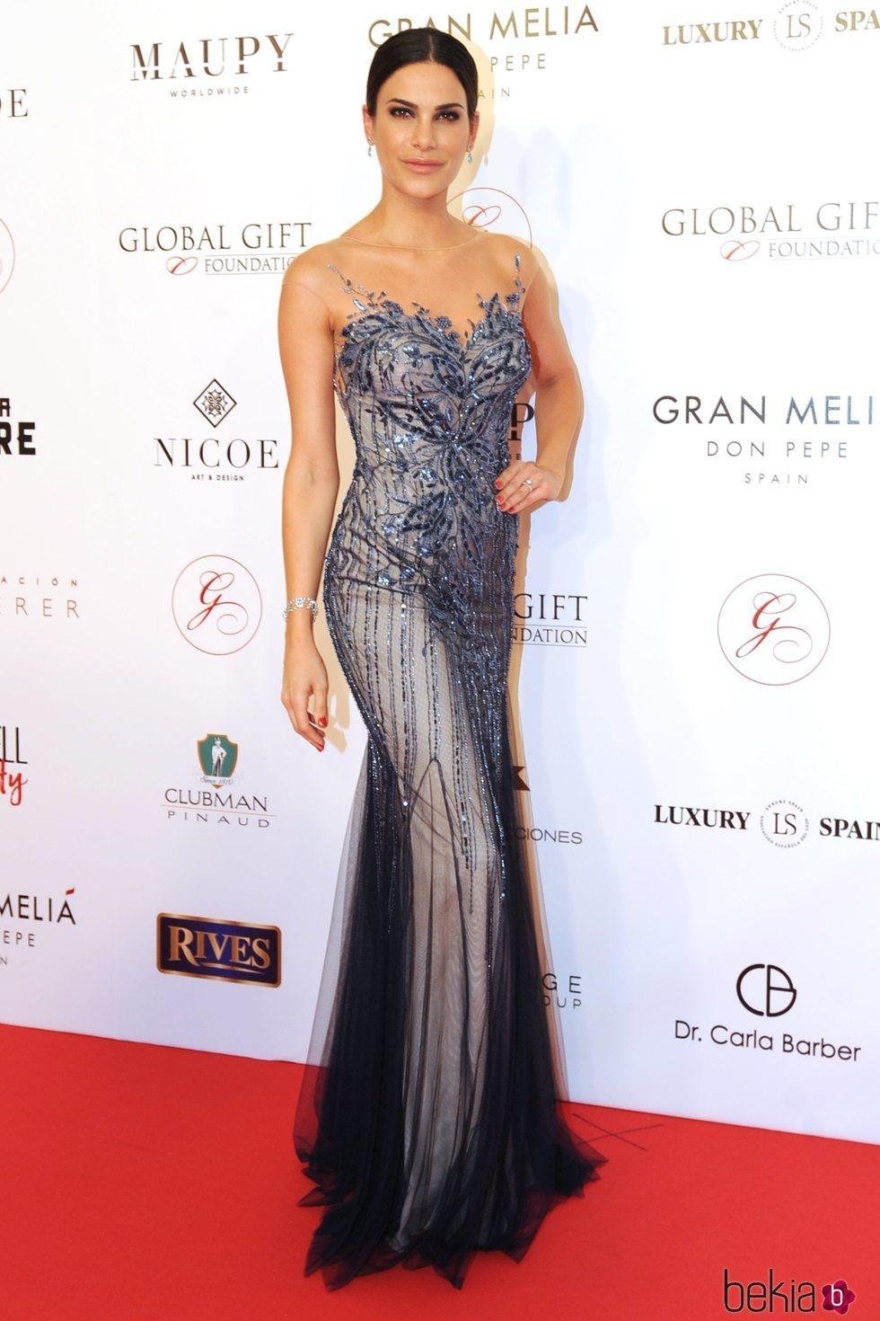 La modelo Carla Barber posando durante la gala Global Gift Marbella 2018