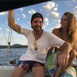 Rosanna Zanetti y David Bisbal en el mar de Menorca