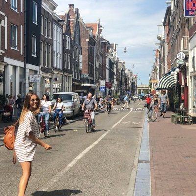 Lara Álvarez de paseo por Ámsterdam