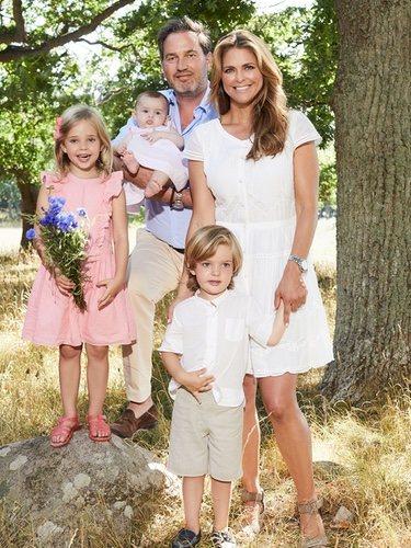 Magdalena de Suecia y Chris O'Neill con sus hijos Leonor, Nicolas y Adrienne en el campo