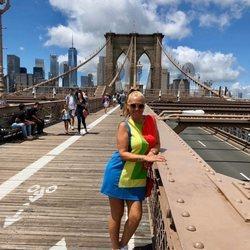 Belén Esteban posa en el Puente de Brooklyn durante sus vacaciones en Nueva York