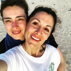 Sandra Barneda y Nagore Robles durante sus vacaciones