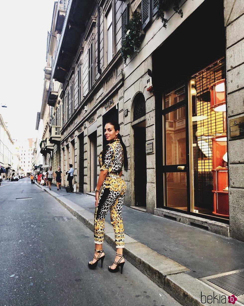 Georgina Rodríguez paseando por Milán