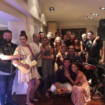 Paula Echevarría celebrando su 41 cumpleaños con todos sus amigos