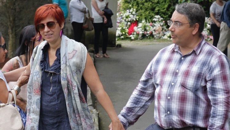 Sandra Ortega y su marido en el entierro de su madre Rosalía Mera en 2013