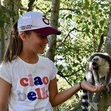 Isabel de Dinamarca con un lemur