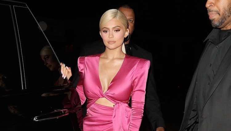 Kylie Jenner llegando a la fiesta de su 21 cumpleaños