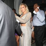 Khloe Kardashian llegando a la fiesta del 21 cumpleaños de Kylie Jenner