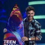 Zac Efron recogiendo su premio en la gala de los Teen Choice 2018
