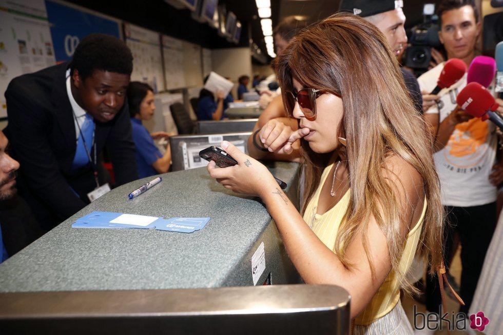Chabelita Pantoja antes de coger un avión a Miami en el aeropuerto de Madrid Barajas