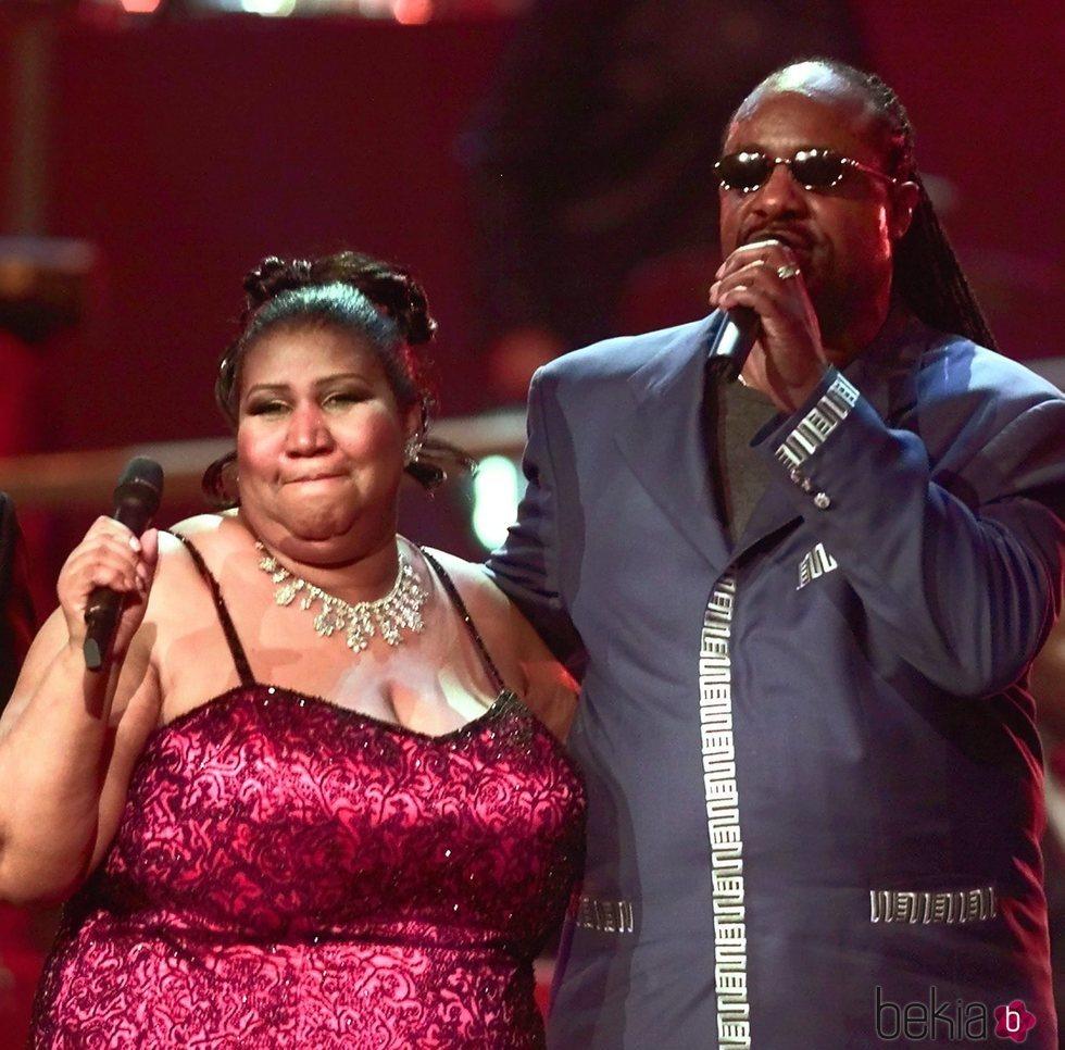 Aretha Franklin cantando con Stevie Wonder en 2001