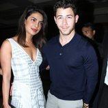 Nick Jonas y Priyanka Chopra de paseo por las calles de Mumbai