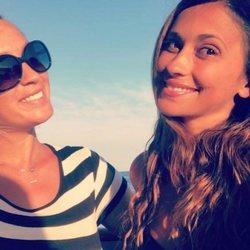 Antonella Roccuzzo y Sofia Balbi surcando las aguas del Mediterráneo