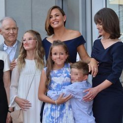 Jennifer Garner junto con su familia recibe la estrella en el Paseo de la Fama de Hollywood