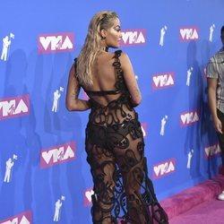 Rita Ora en la alfombra roja de los VMAs 2018
