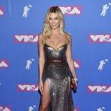 Karlie Kloss en la alfombra roja de los VMAs 2018
