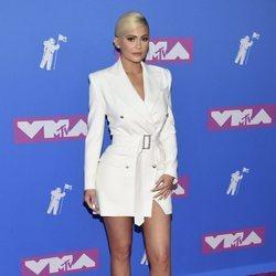 Kylie Jenner en la alfombra roja de los VMAs 2018
