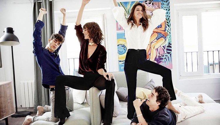 Belén Cuesta y Macarena García divirtiéndose en casa de Javier Calvo y Javier Ambrossi