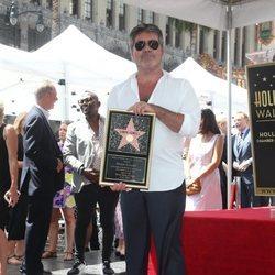 Simon Cowell recibe su estrella en el Paseo de la Fama de Hollywood