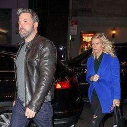 Ben Affleck y Lindsay Shookus paseando por Nueva York