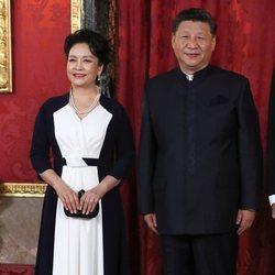 Xi Jinping y Peng Liyuan en la cena de gala en su honor en el Palacio Real